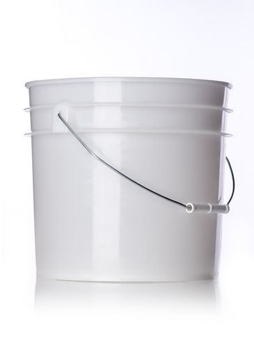 3.5 gallon natural-colored HDPE plastic pail of 90 mil thickness with handle